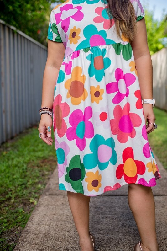 white_retro_bloom_cotton_babydoll_dress_close_up4